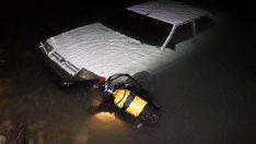 Otomobil göle düştü