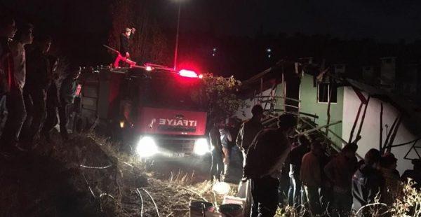 Elektrik kaçağı evi yaktı