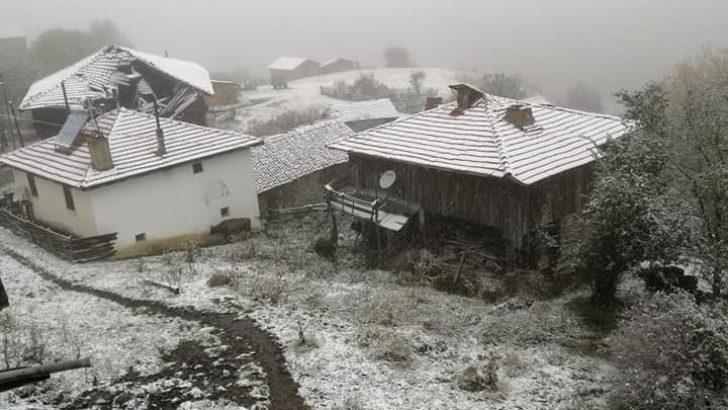 Çorum'da yılın ilk karı yağdı