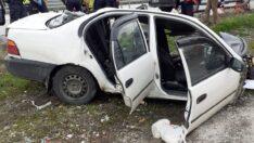 Otomobil ikiye bölündü: 4 yaralı