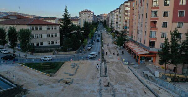 Belediye, 23 Nisan Kavşağını yeniliyor