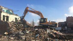 Devane'de kamulaştırılan binalar yıkılıyor
