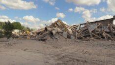 Çimento'nun kuleleri yıkıldı, 64 yıllık fabrika tarih oluyor